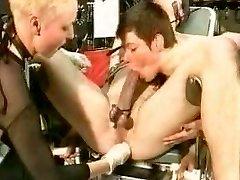 sg16 p3 fist anal domination partie montrable