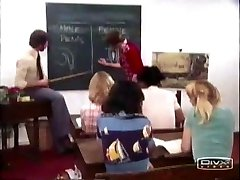 שחור תלמידת בית ספר
