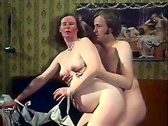Eksootiline Amatöör videoklipp koos Vintage, Sukad stseene