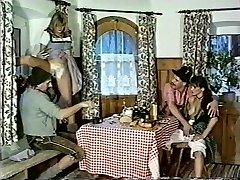 מגבר גרמנית רטרו 90's קלאסי בציר פלאשבק ציצים nodol1