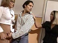 Andrea Dioguardi - Professoressa di Lingue (2000)