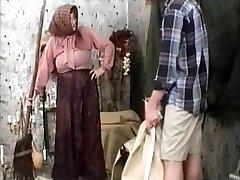 Old-school Grandma Movie R20