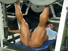 ROKO VIDEO-YAM-SIZED CLITS Muscles Women