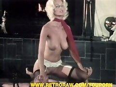 Lijepa Seka jahanje penis i primanje lica