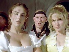 Šarpa Ienaidnieks (1994) Elizabeth Hurley