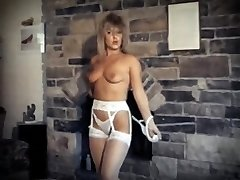 DA YA THINK I'M SEXY? - antique striptease dance performance