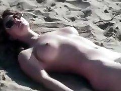 romanttinen retro beach kohtaus