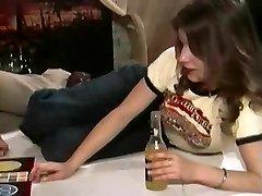टिनी Tove - किशोर नंगा नाच