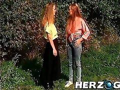 חרמנית בוואריה רטרו בנות נהנה זיון טוב