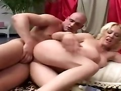 Crazy Blond, Cumshot adult scene