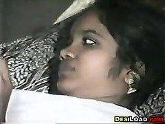 Indijski Par, Ki Imajo Spolne Odnose