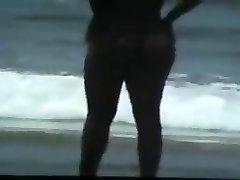 alaston pari rannalla