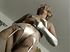 NOBRIEDIS ELEGANTS LADY 1