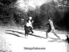 המנצח מזיין בחורה בתחת (1920 וינטאג')