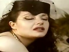 Россана dol-Uni зиа молто disponibile