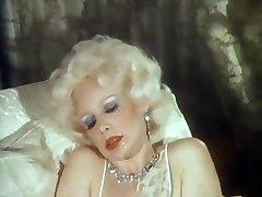 Ameerika Klassikaline - Blond rikas emane