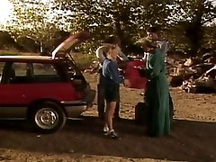 Letnik: Kampusu Cuties starring Nikki Čar