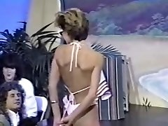 Trio retro bra-less bikini contests