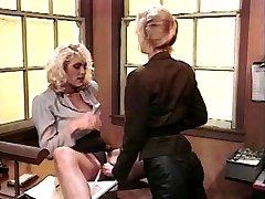 la vendimia de las mujeres lesbianas en tacones