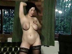 Busty एफसी लड़की 01