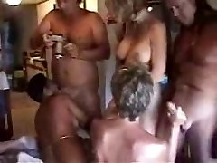 Mature Swingers Fuckfest in Florida
