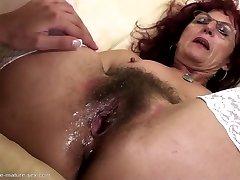 Deep handballing for fantastic mature mom's hairy pussy