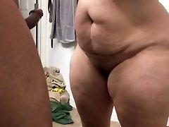Super thick milf sucking bone