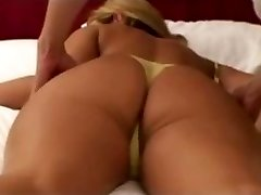 inexperienced blonde wife massaged by japanese