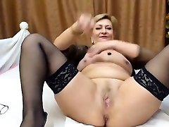 Trampy mature stockings amateur bitch