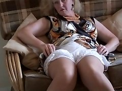 Granny upskirt & stocking