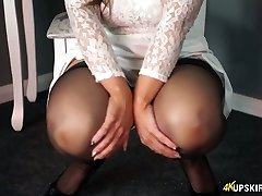 Charming blondie mommy Kellie O Brian showcases what she got under her microskirt