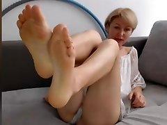 GILF Feet IN FACE No Sound