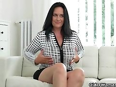 Well rounded milf Ria Dark-hued fingers her breedable vag