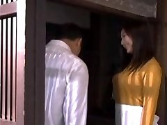 Asia Married Mom loves swallow spunk