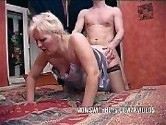 Boy Finds Mummy Masterbating!
