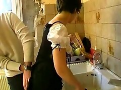 AMATEUR MATURE SMALL Boobs MAID Group SEX