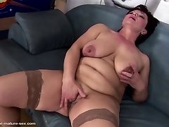 Mature goddess mom gets her labia destroyed by fists