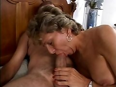 Mature is getting her messy caboose fucked