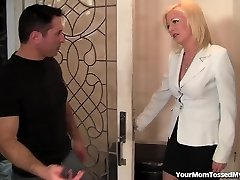 Hot Mother Is Horny And Ready For Bone!