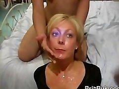 Milf翡翠ツバメの口腔およびぶっかけビデオ