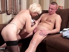 Mature slut mom blowing and smashing her ass off