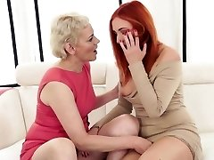 Mature doll fisted by euroteen babe