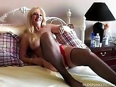 Plowing sexy MILF in fishnet stockings