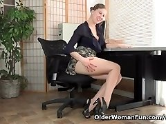American milf Valentine can't control her unshaved pussy
