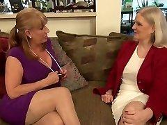 two super-fucking-hot lesbi-moms