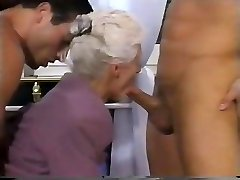 2 Men AND A DOUBLE PENETRATION FOR Grannie