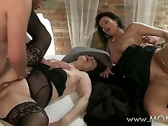 Mummy Mature swingers take turns