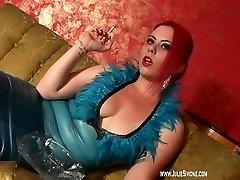 deanna-smoking-blue-latex