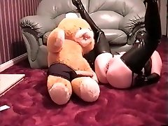miss rubber gets hunk to grope her pussy