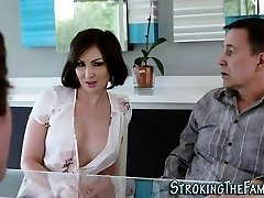 Stunning stepmilf face jizzed